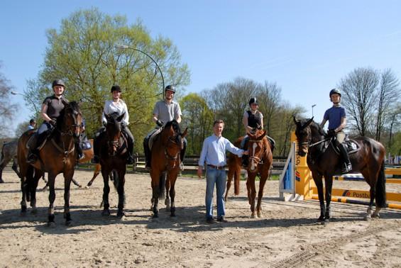 Teilnehmer des Springlehrgangs mit Lars Meyer zu Bexten